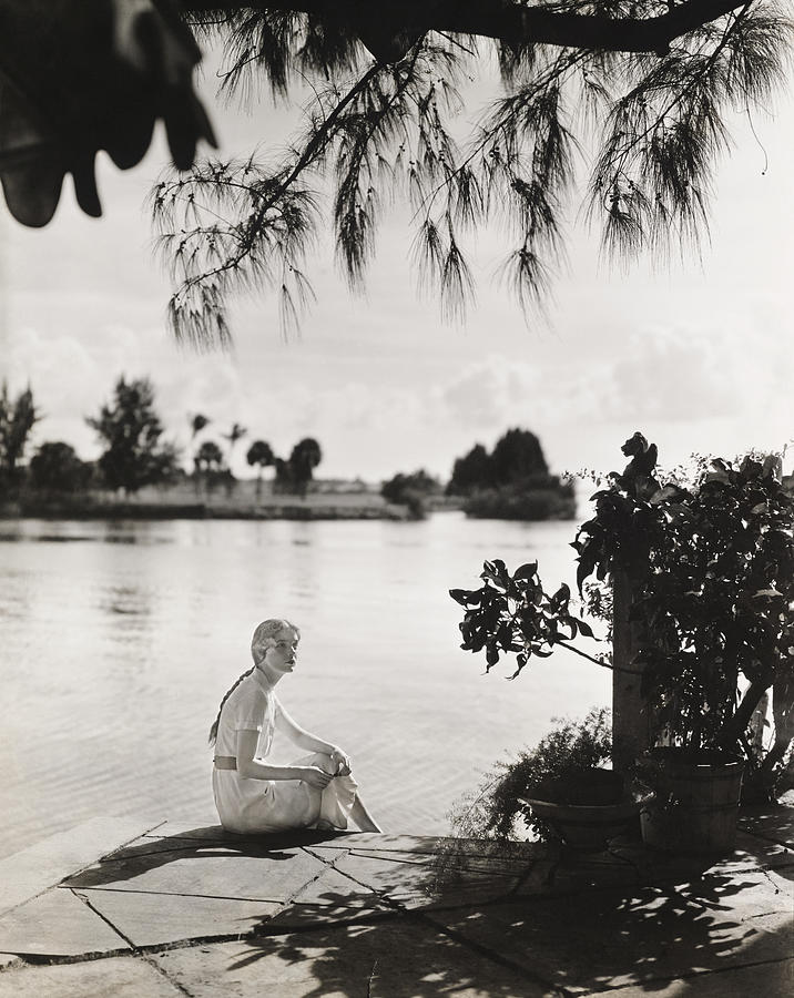 Mrs. Allan A. Ryan, Jr., in Palm Springs, Florida Photograph by Toni Frissell