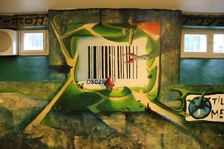 Nansen mural 3 - 2003 by Thomas Olsen