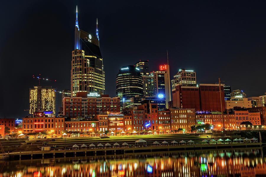 Nashville, Tennessee city skyline by Jim Vallee