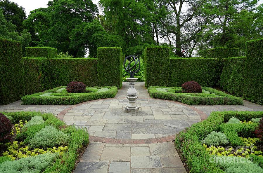 Niagara Falls Botanical Gardens Photograph