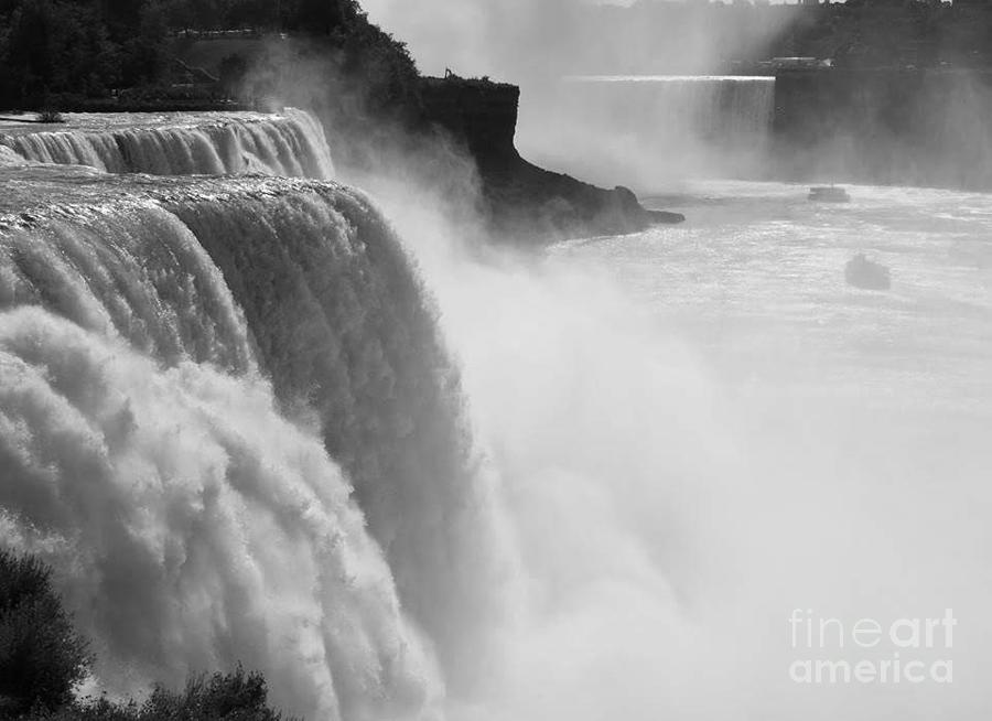 Niagara Falls by Marilyn Smith