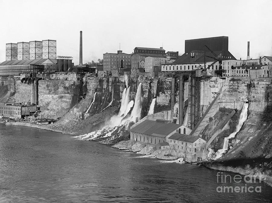 NIAGARA RIVER MILLS by Unknown