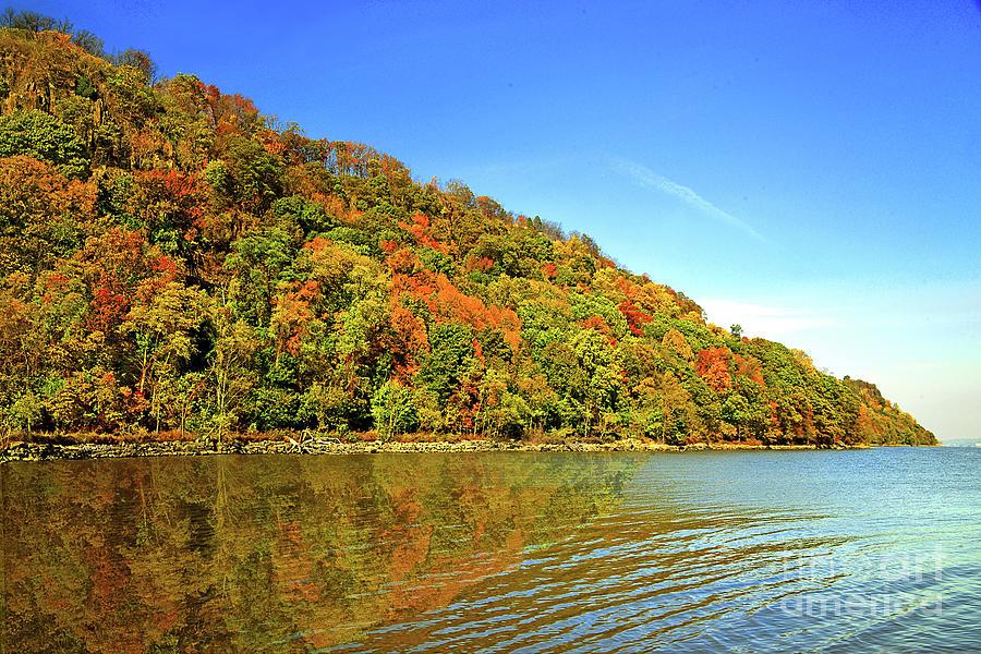 NJ Hudson River  Palisades in Autumn   by Regina Geoghan