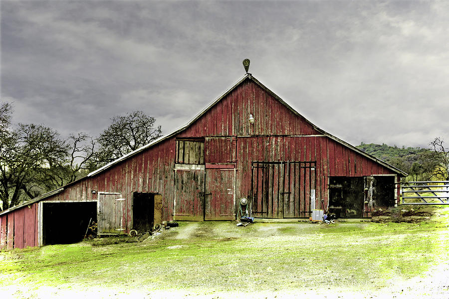 Old Country Barn 2 by William Havle
