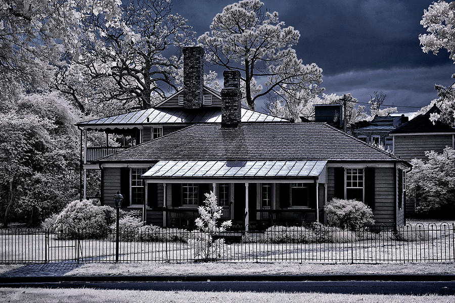 Old House In Edenton Photograph