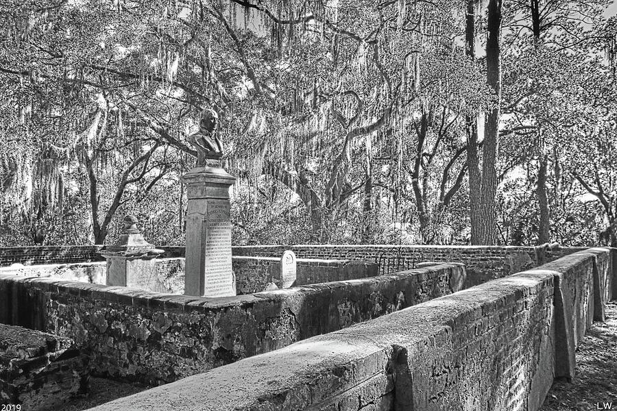 Old House Plantation Cemetery Black And White by Lisa Wooten
