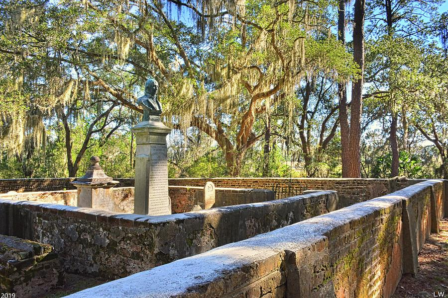 Old House Plantation Cemetery  by Lisa Wooten