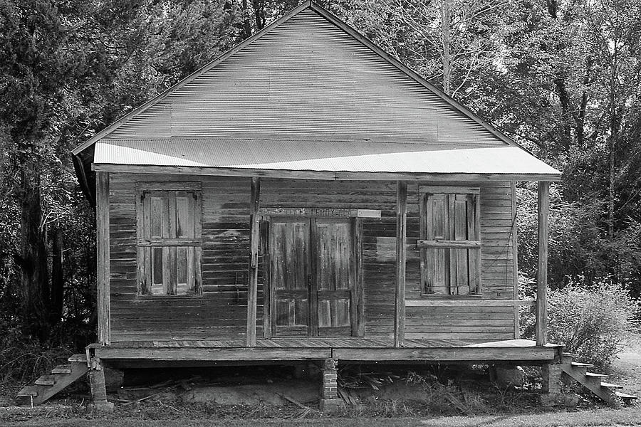 Old House Photograph - Old House-washington County by Eric Overton