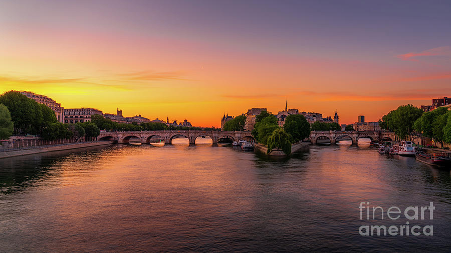 Paris Photograph - Paris Pont Neuf Sunrise by Thomas Speck