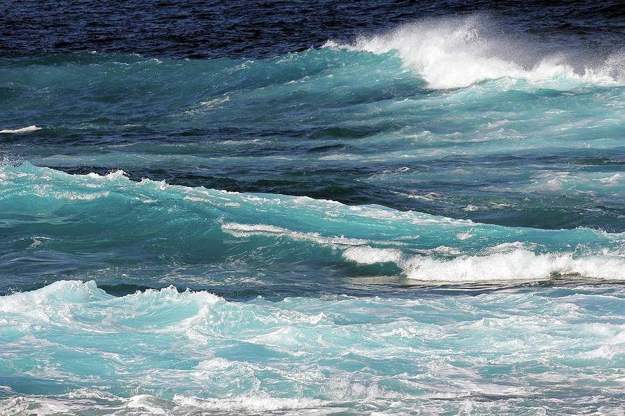 PATTERNS IN THE WAVES by Jennifer Robin
