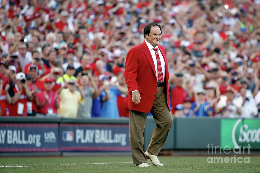 Pete Rose Photograph by Rob Carr