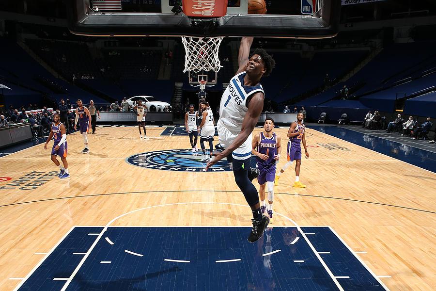 Phoenix Suns v Minnesota Timberwolves Photograph by David Sherman