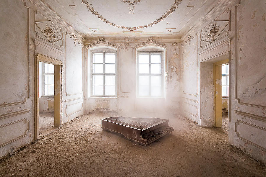 Piano in the Dust by Roman Robroek