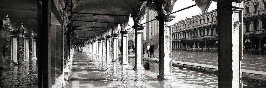 Portici acqua alta, Piazza San Marco, Venezia by Marco Missiaja