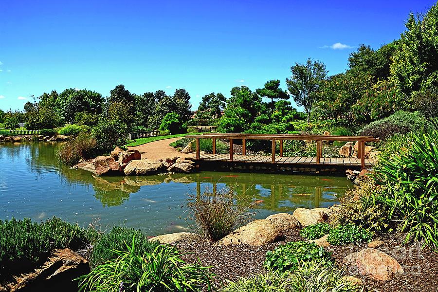 Pretty Botanical Gardens Dubbo By Kaye Menner Photograph