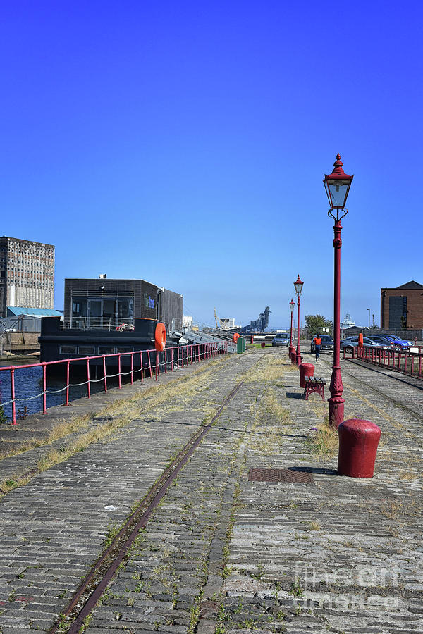 Prince of Wales Dock, Central Pier, Leith by Yvonne Johnstone