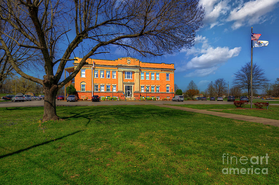Hdr Photograph - Pulaski County Courthouse  by Larry Braun