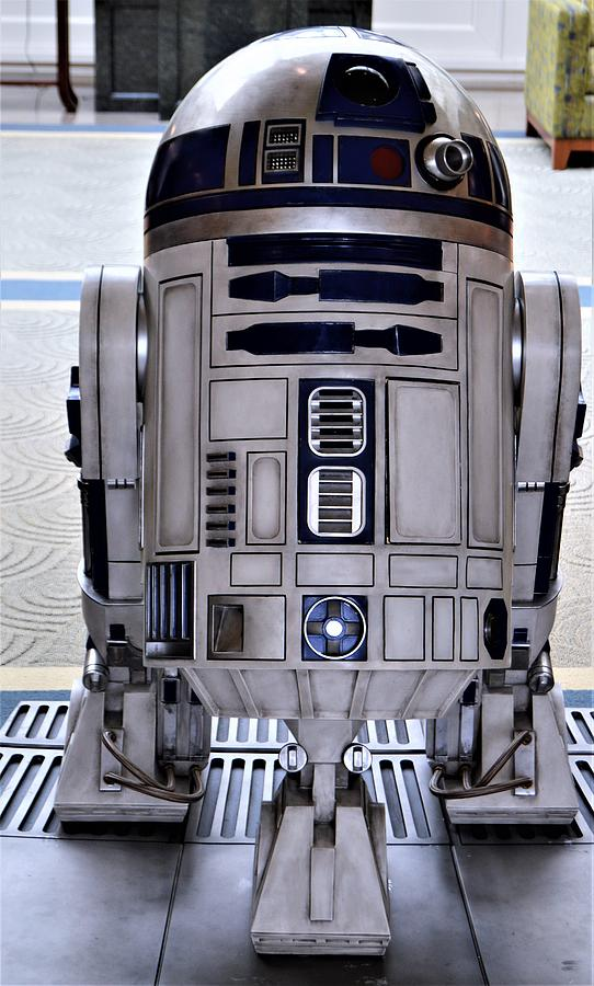 R2-D2 On Display by Warren Thompson