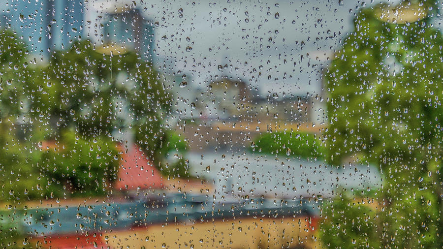 rain drops on L A  by Kenneth James