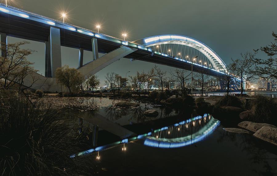 Reflection Photograph by Wangwukong