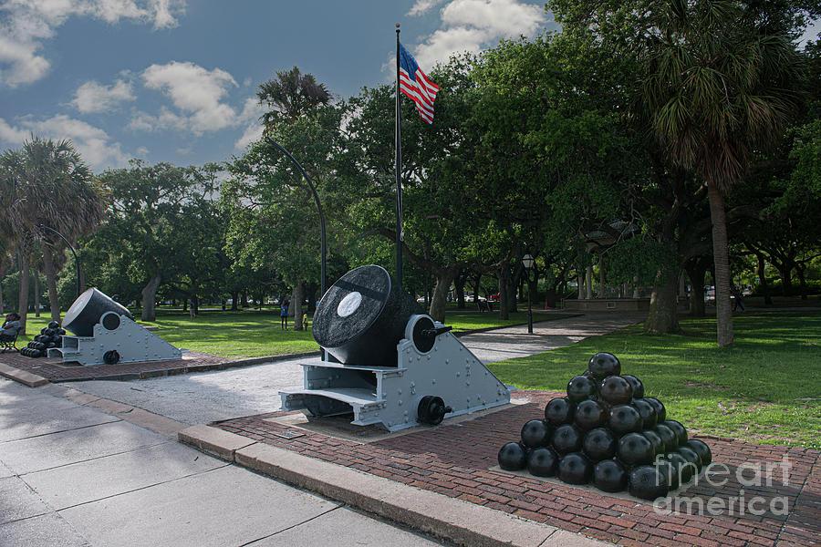 Revolutionary And Civil War Era Cannons - Charleston Sc Photograph