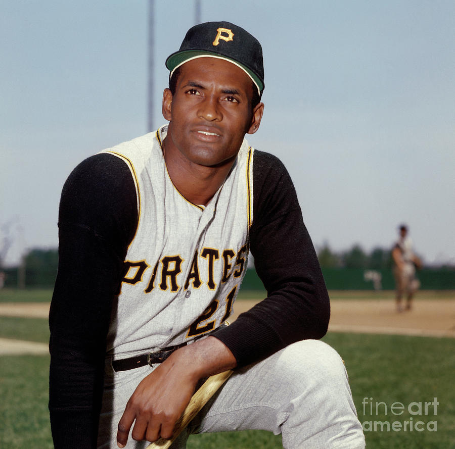 Roberto Clemente Photograph by Louis Requena