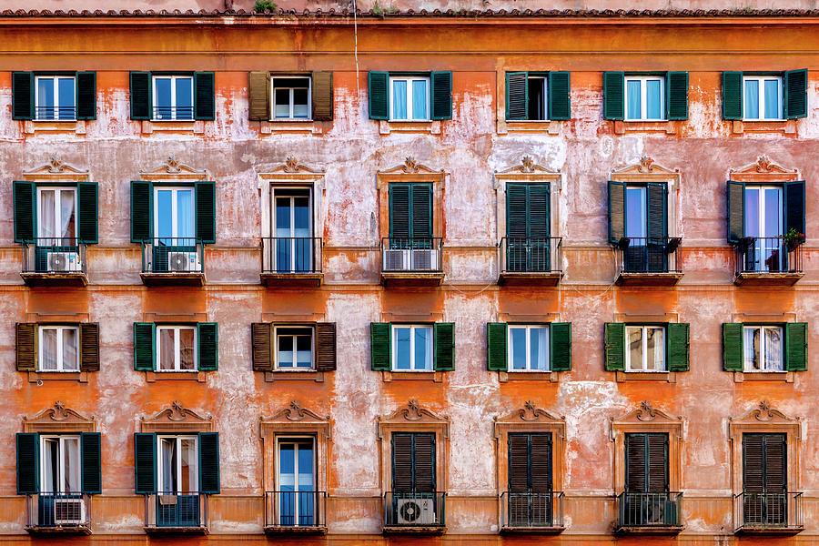 Roman residential condominiums  by Fabrizio Troiani