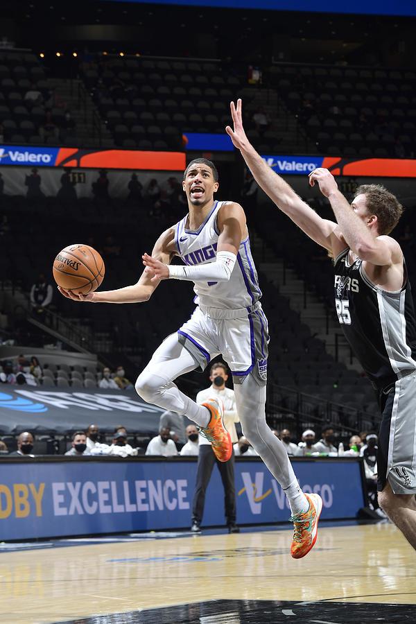 Sacramento Kings v San Antonio Spurs Photograph by Logan Riely