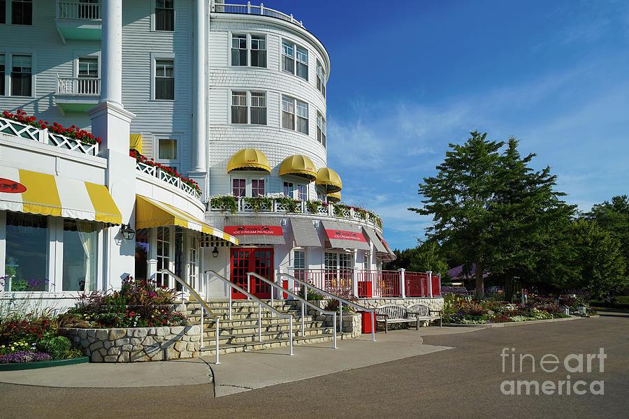 Sadies Ice Cream Parlor 2 Photograph