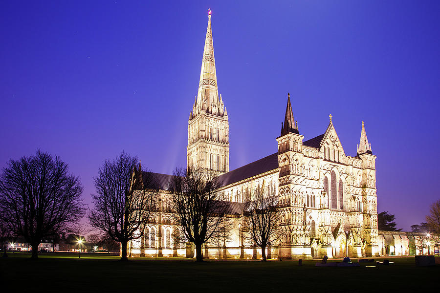 Salisbury Cathedral by Ian Middleton