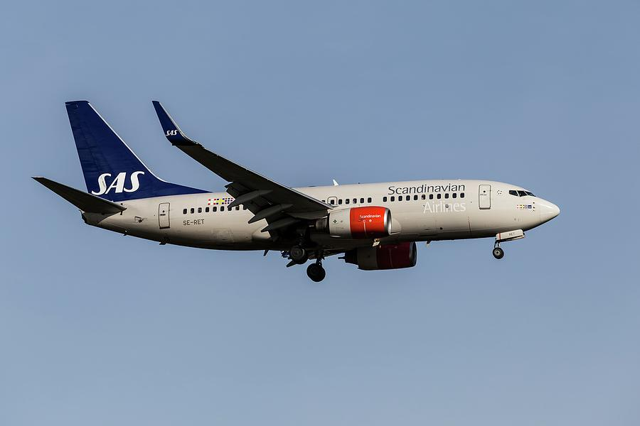 Scandinavian Airlines Boeing 737-76n         1 Photograph