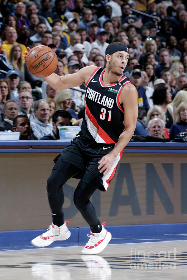 Seth Curry Photograph by Ron Hoskins