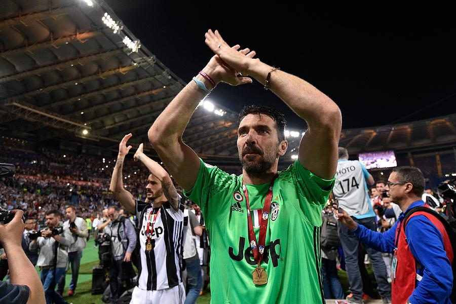 SS Lazio and FC Juventus: TIM Cup Photograph by Anadolu Agency