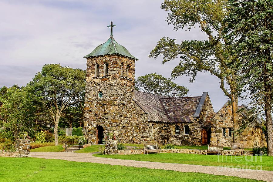 St Anne church in Kennebunkport by Patricia Hofmeester
