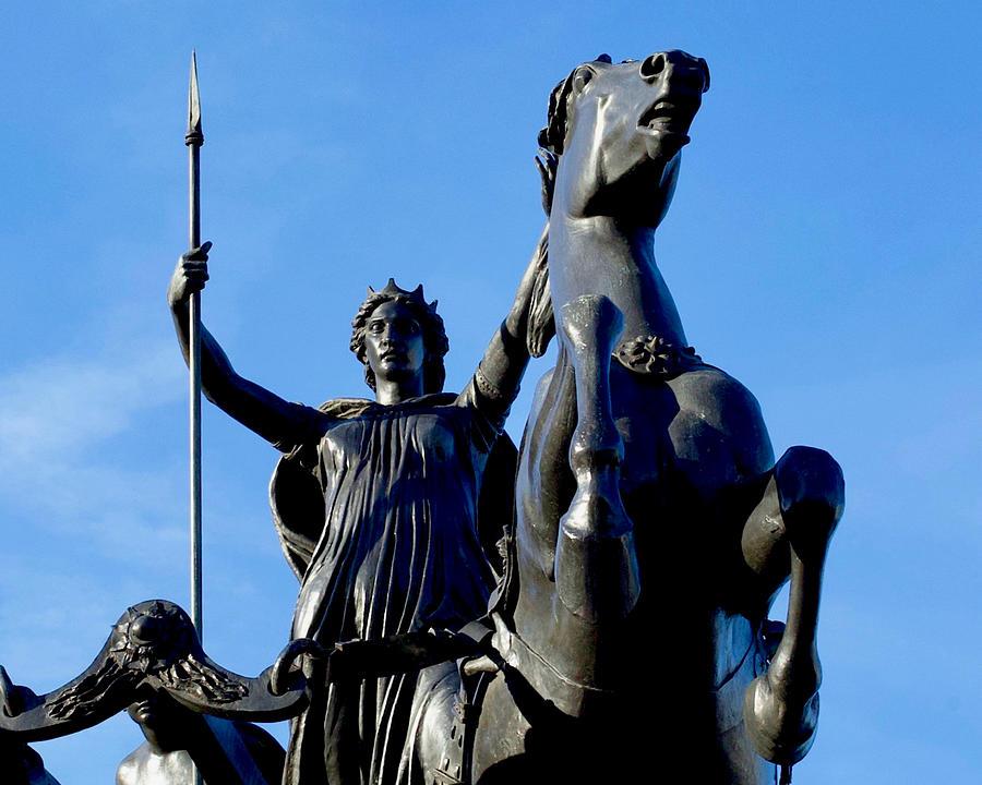 Boadicea in her chariot, Westminster Bridge - Bob Speels