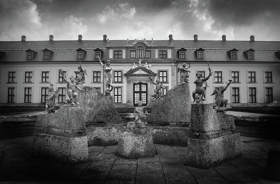 Statues At Herrenhaus Gardens Photograph