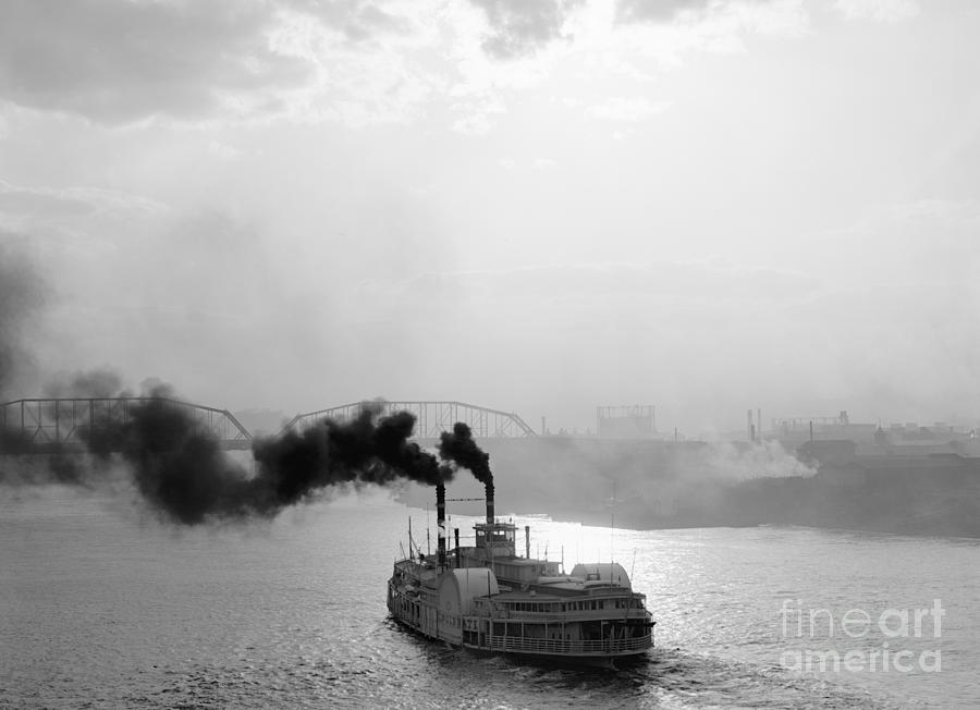 STEAMER OHIO RIVER, c1910 by Unknown