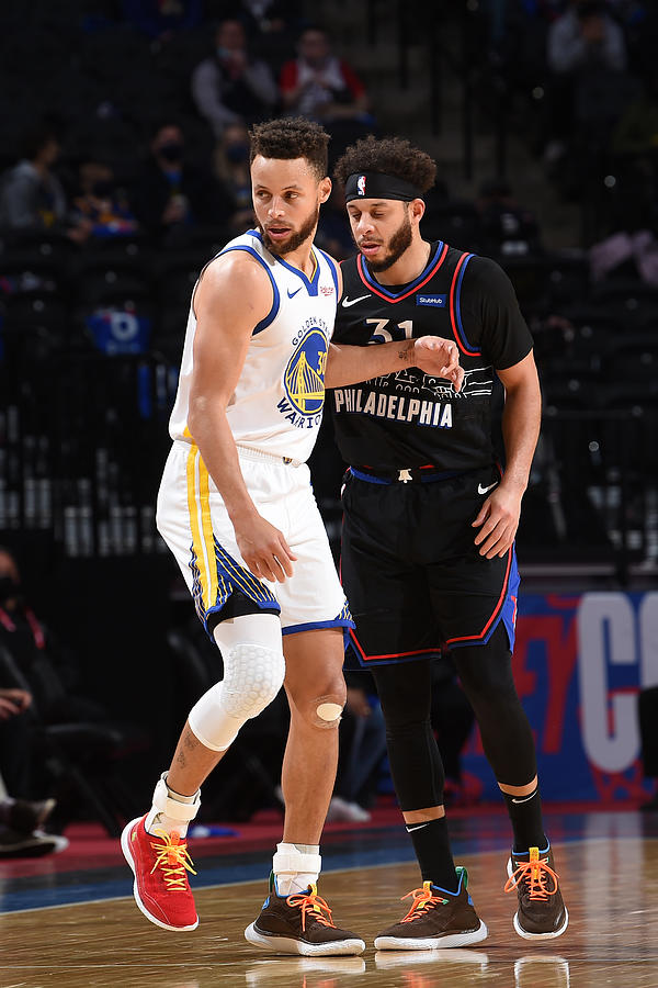 Stephen Curry and Seth Curry Photograph by David Dow