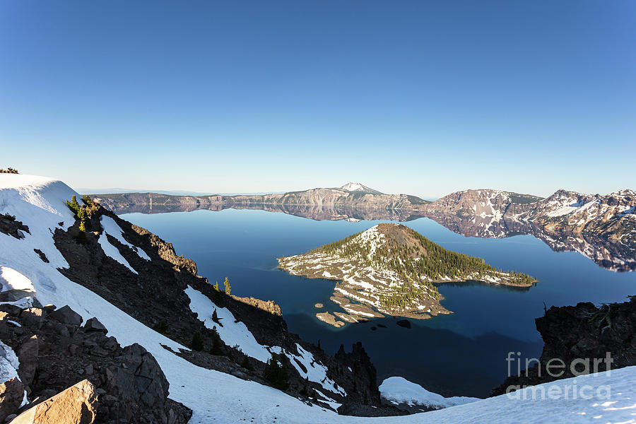 Stunning view of he Crater lake in Oregon in the Pacific Northwe by Didier Marti