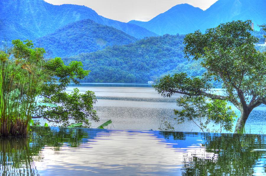 Sun Moon Lake Infinity by Bill Hamilton