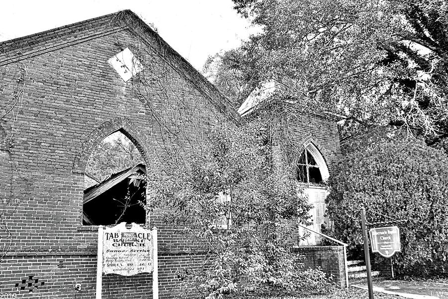 Tabernacle Baptist Church Blackville Sc Black And White by Lisa Wooten