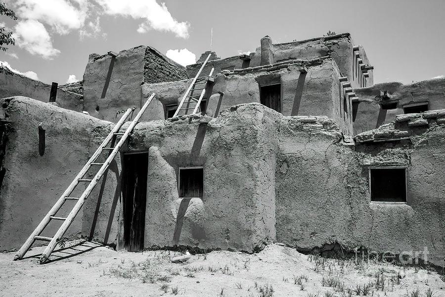Taos Pueblo Photograph - Taos Pueblo, New Mexico 6 by Felix Lai