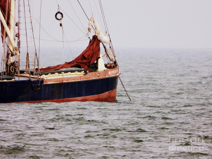 Thames Barge Photograph - Thames Barge by Andy Thompson