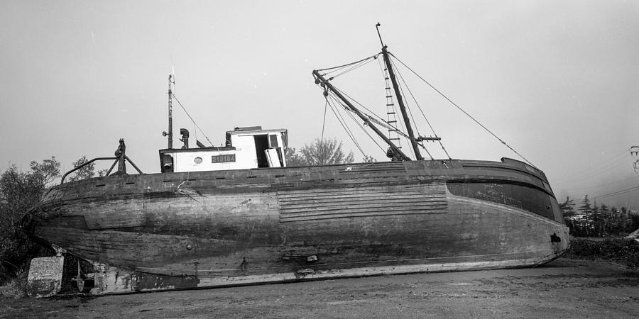 The AMAK - starboard side  by HW Kateley