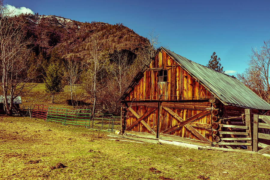 Flathead River Photograph - The Barn at Mile Marker 89 by Bryan Spellman