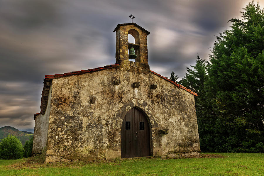 The hermitage of San Martin in Zarautz by Vicen Photography