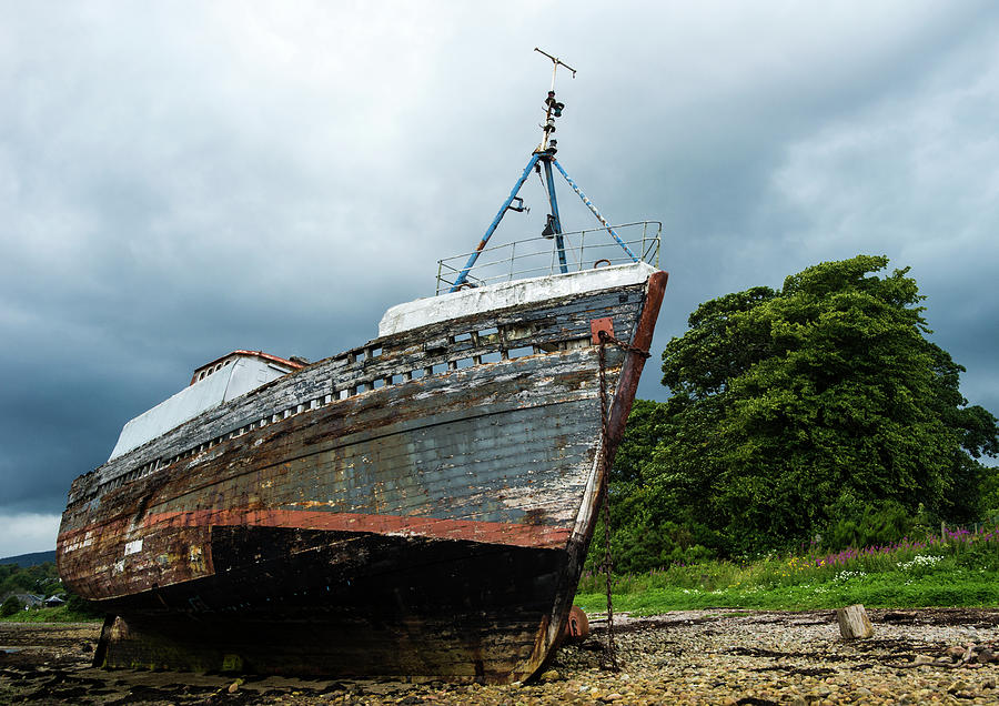 Ben Nevis Photograph - The Old Boat at Corpach by Paul Cullen