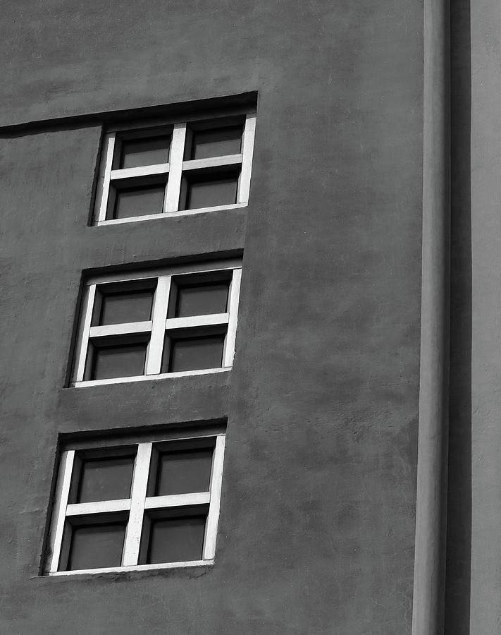 Three Windows Vs Pipe by Prakash Ghai