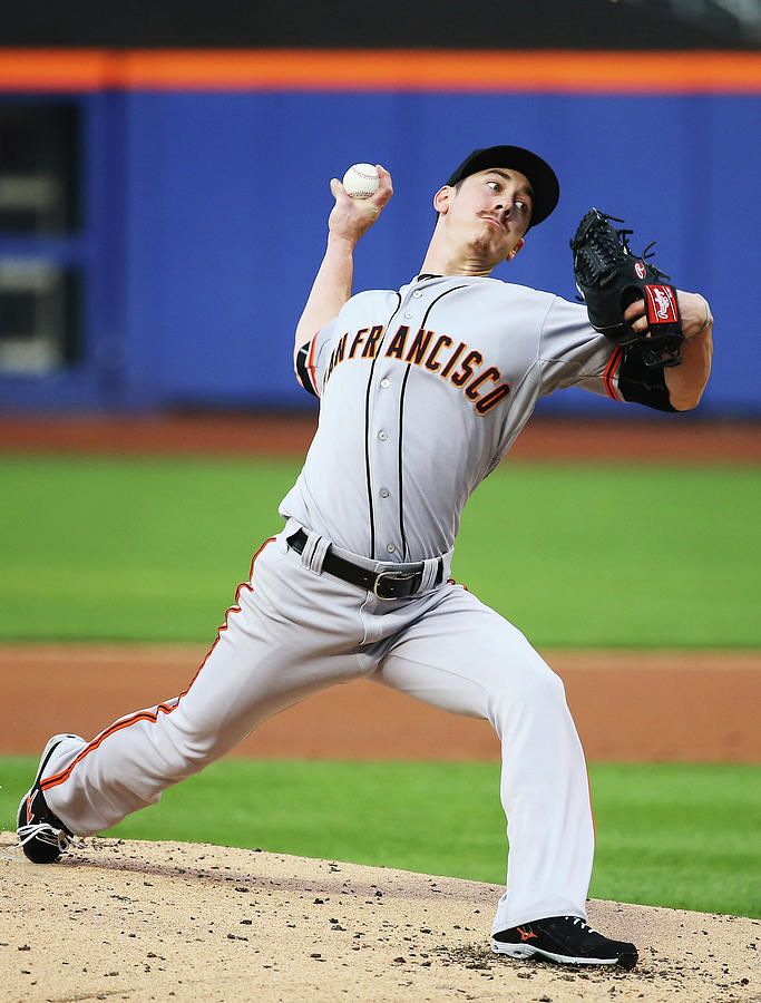 Tim Lincecum Photograph by Al Bello