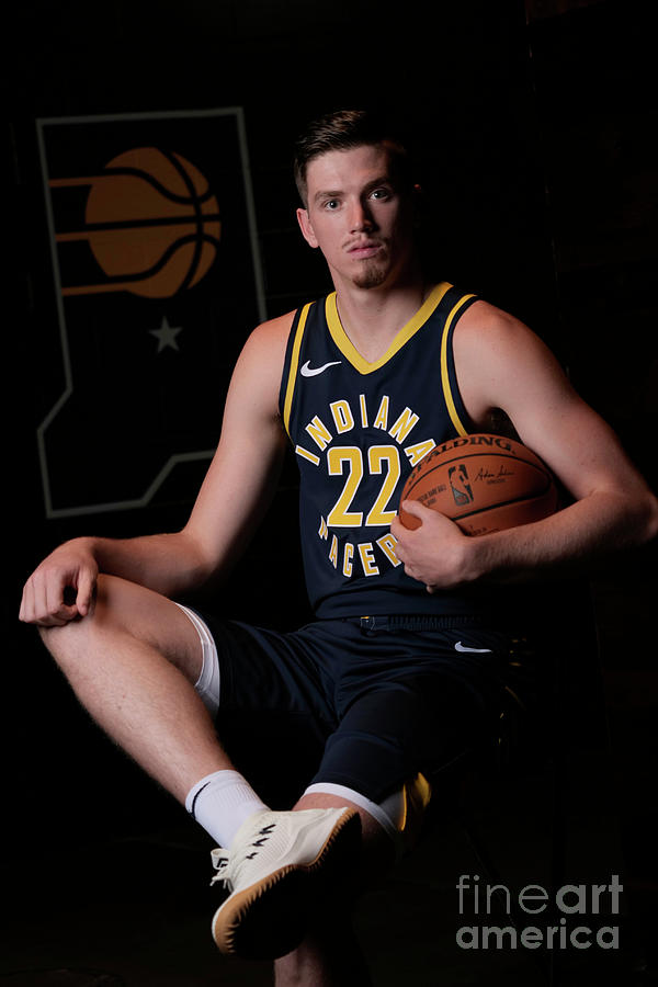 T.j. Leaf Photograph by Ron Hoskins